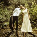 slub-sesja-poslubna-w-lesie-na-torachą